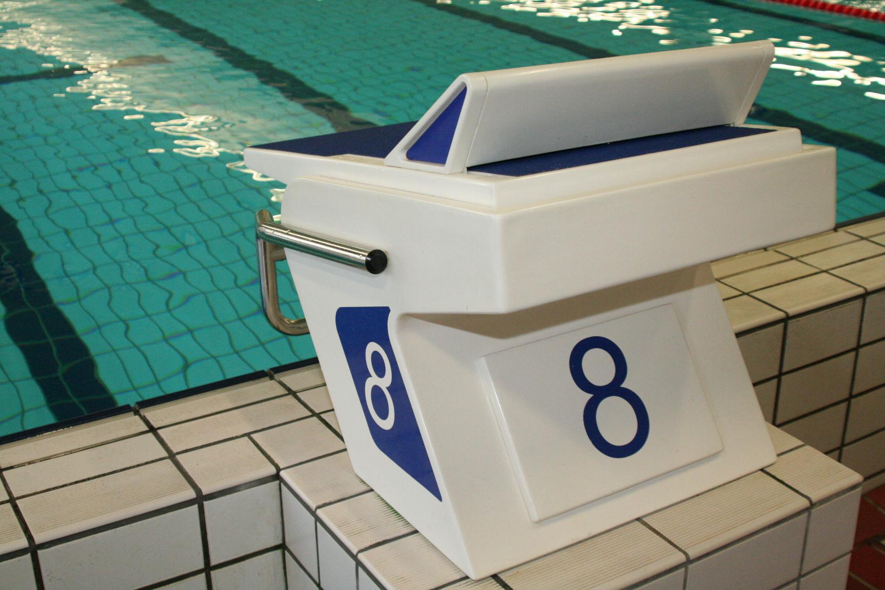 Eerste Eredivisiewedstrijd voor Wedstrijdzwemmers